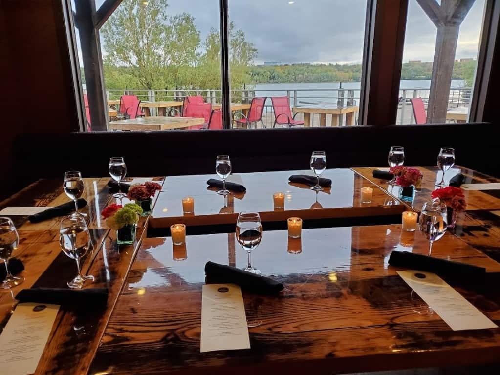 dining room (Medium)