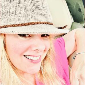 Kristin in hat